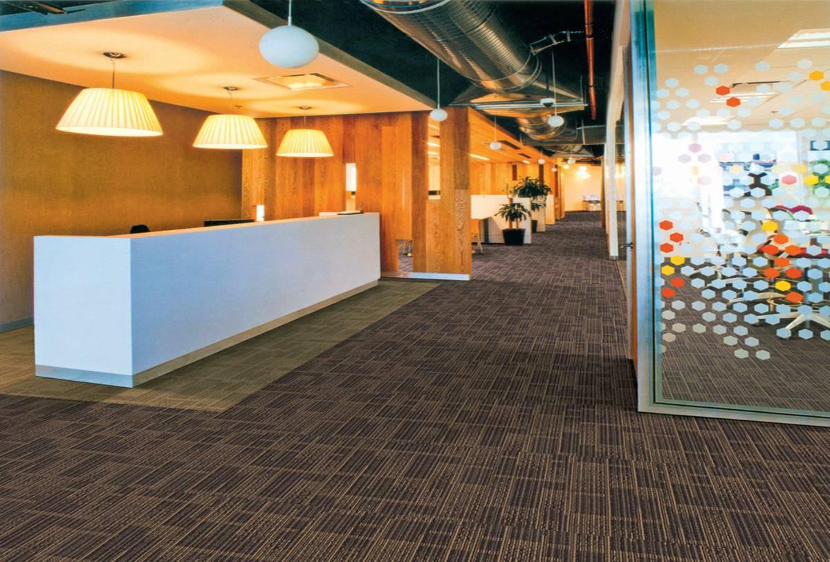 3 Jenis Karpet Tile Paling Populer